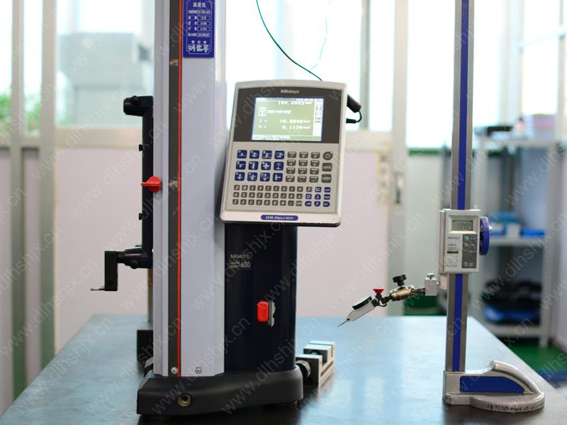 高精度自動高さ測定機